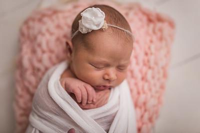 Kaylyn Newborn-10