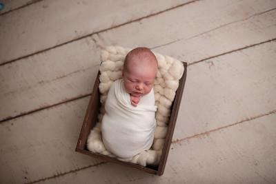Oliver's Newborn Photos-16