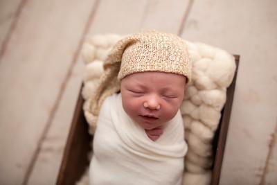 Oliver's Newborn Photos-7