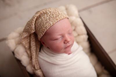 Oliver's Newborn Photos-10