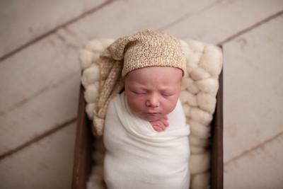 Oliver's Newborn Photos-12