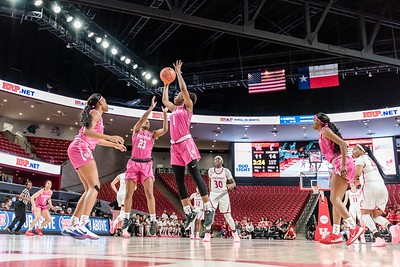 NCAA WBB | Houston Cougars v Cincinnati Bearcats