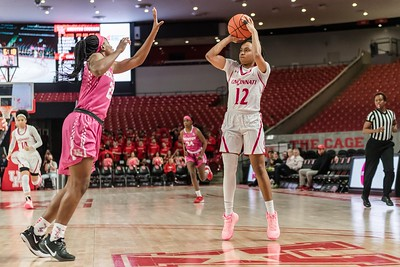 NCAA WBB | Houston Cougars v Cincinnati Bearcats