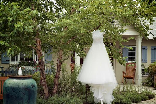 Bizarre Wedding 1718