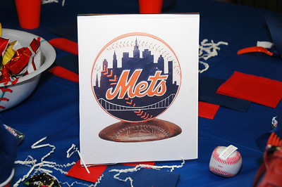 Ben's favorite baseball team.....New York Mets!!!