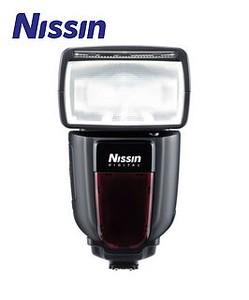 Nissin Di700 Speedlight