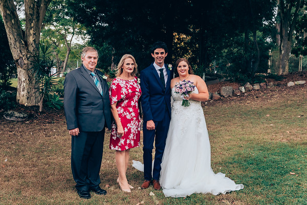 Family_and_Friends_She_Said_Yes_Wedding_Film_and_Photography_Brisbane_0395