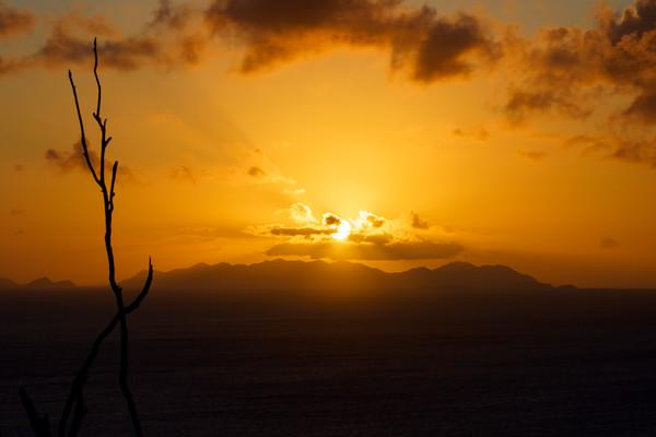 MMPI_20200907_MMCK0074_0009 - Sunset over the Australian mainland.