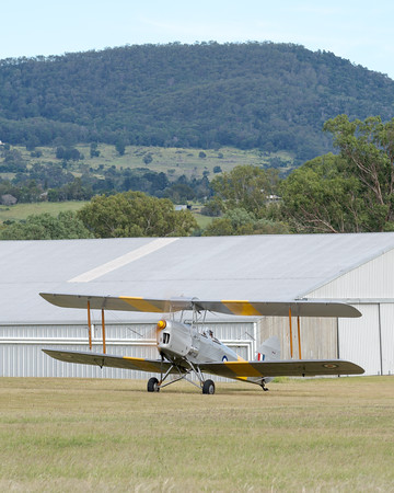 _7R46575 -  De Havilland DH.82A Tiger Moth VH-WII preparing to taxi at the Airsport Qld breakfast fly-in.