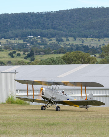 _7R46581 -  De Havilland DH.82A Tiger Moth VH-WII preparing to taxi at the Airsport Qld breakfast fly-in.