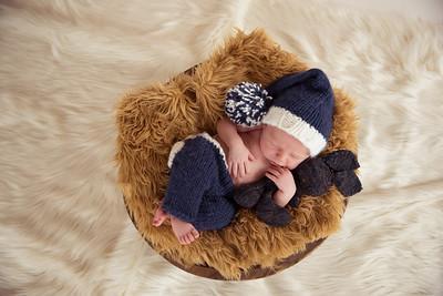 Waylon Newborn-11