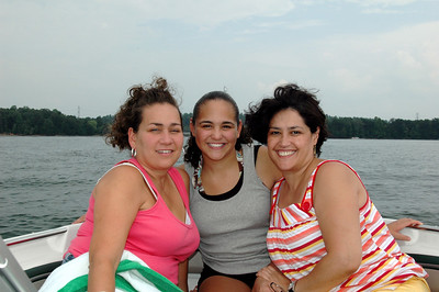 Me, with my cousin Connie and Cristal!
