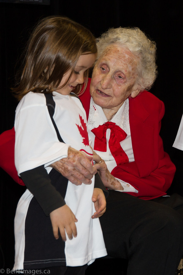 Violet Histed (nee Smith) chatting with a local elementary school child