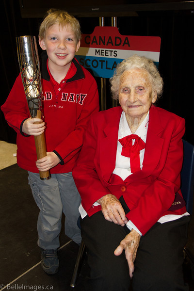 Violet Histed (nee Smith) with great grandson Trent  Cardinal holding the Queen's Baton