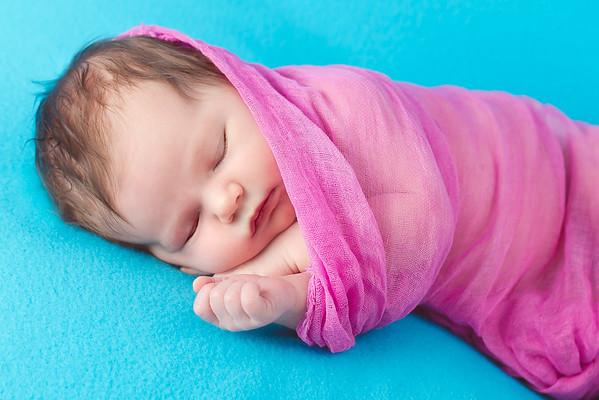 Briana McCarthy-Newborn-4-5-2013