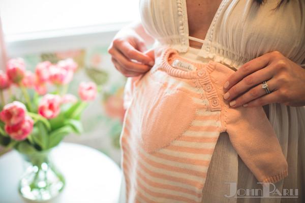 maternity and newborn photos Naperville Joliet