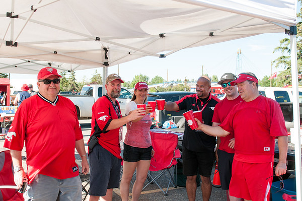 20160729_FANS_TAILGATING_STA0006EB