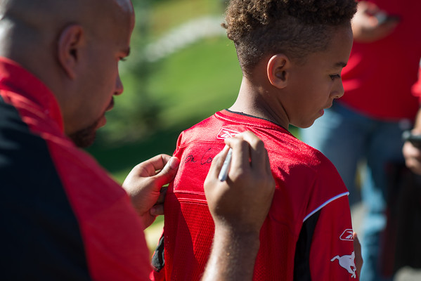 20160729_FANS_TAILGATING_STA0031EB