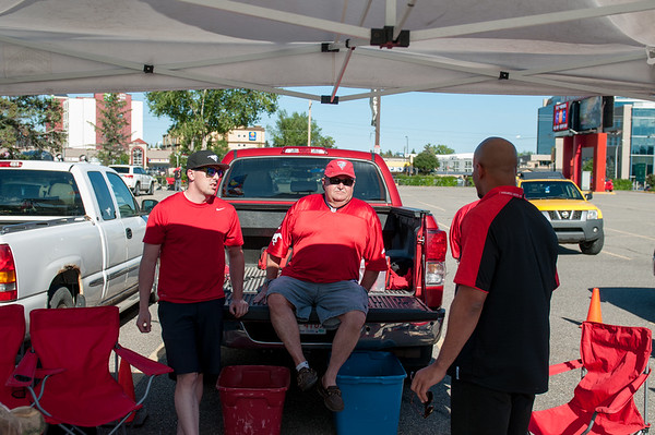 20160729_FANS_TAILGATING_STA0004EB