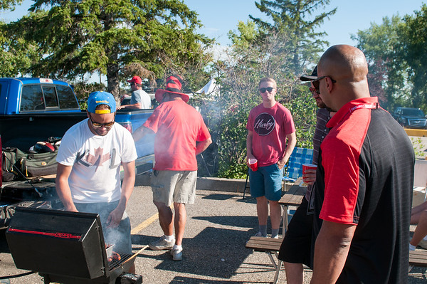 20160729_FANS_TAILGATING_STA0038EB