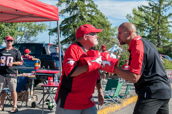 20160729_FANS_TAILGATING_STA0010EB