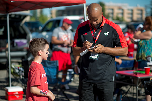 20160729_FANS_TAILGATING_STA0035EB