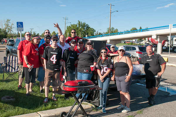 20160729_FANS_TAILGATING_STA0059EB