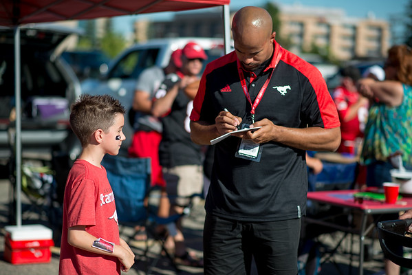 20160729_FANS_TAILGATING_STA0036EB