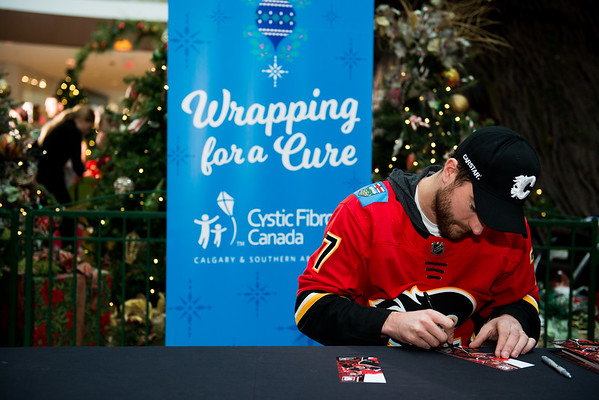 20171215_WRAPPING_FOR_A_CURE_FLA0016EB.NEF