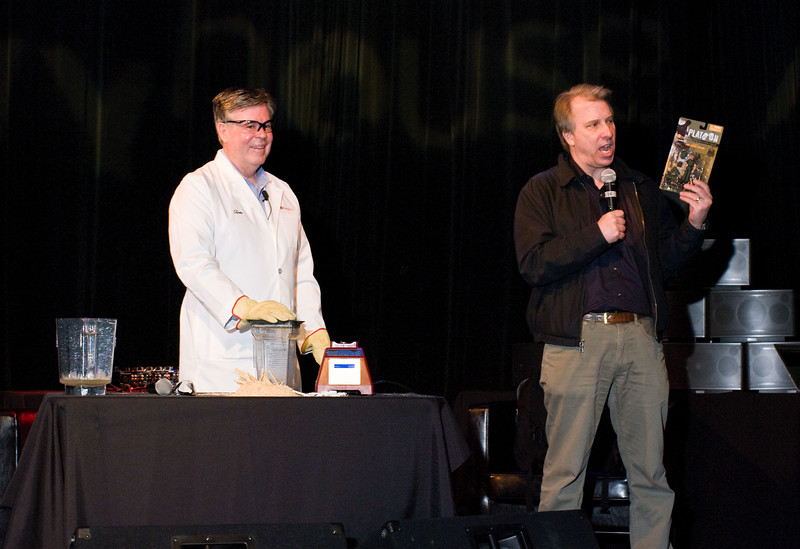 Steve Broback of Tweet House / Parnassus Group introduces Tom Dickson of Blendtec.