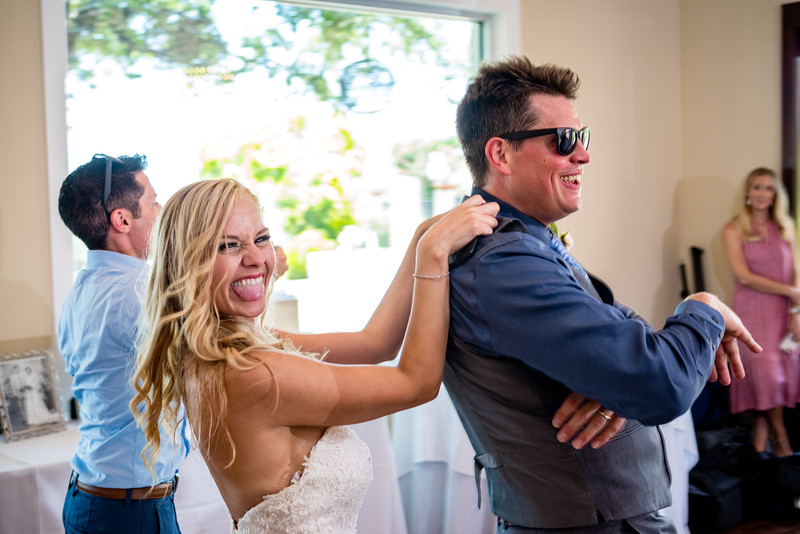 Daytime reception? No problem with this couple who can party anytime day or night.