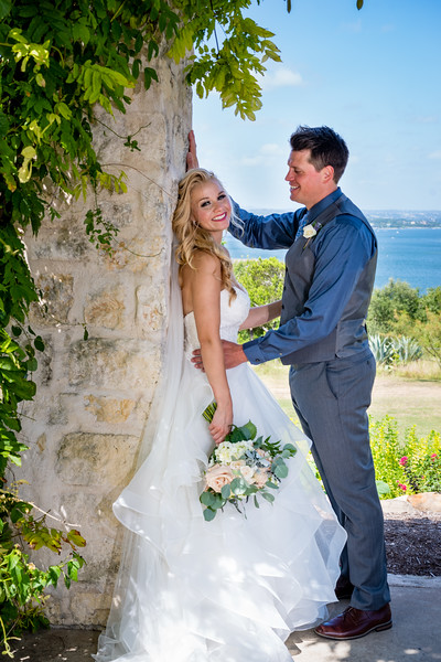 Jamie & Ryan noon wedding at Vintage Villas on Lake Travis, TX.