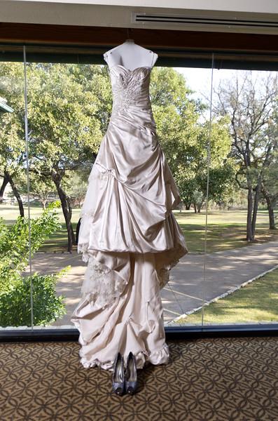 Bridal Dress at the Hills of Lakeway Resort, Austin, TX.