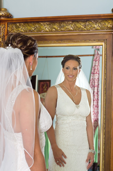 Bride in mirror, Michelle & Mike at Barr Mansion.