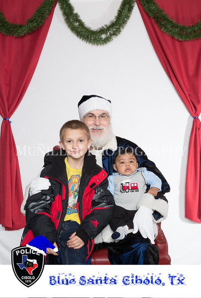 Blue Santa visited the Cibolo Police Department. Images taken by Muñillar Photography, to view more of our work, visit www.munphoto.com