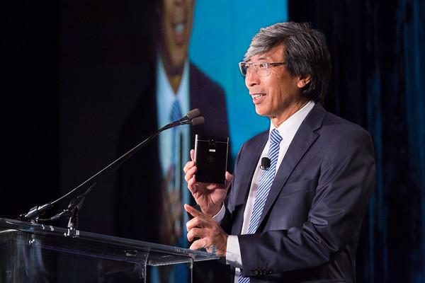 Dr. Soon-Shiong shows off NantHealth prototypes at ATA 2015