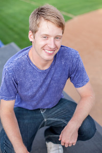 senior_portraits_minneapolis_centennial_high_school_lead_image_photographer_tyler_l-247