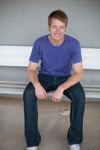 senior_portraits_minneapolis_centennial_high_school_lead_image_photographer_tyler_l-343