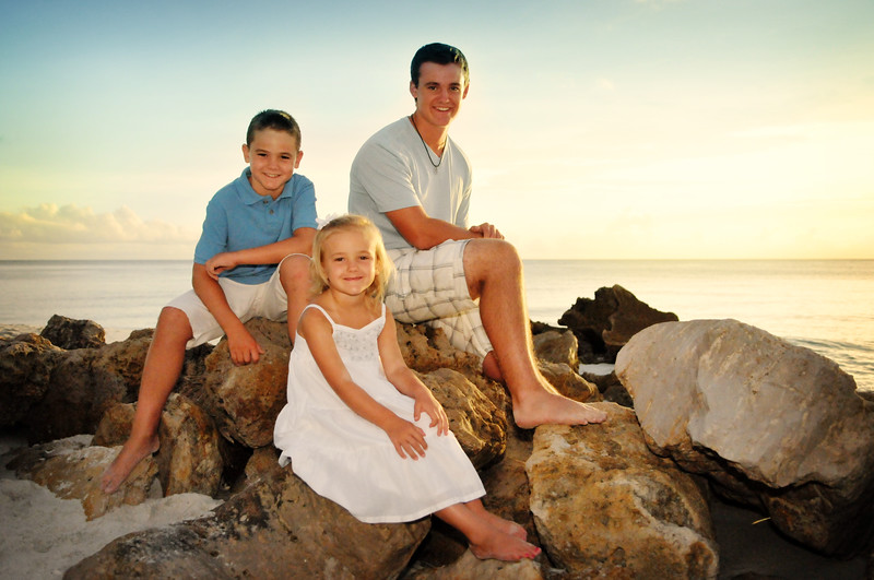 Angie Birch Naples Beach Family Photo Shoot 316.JPG