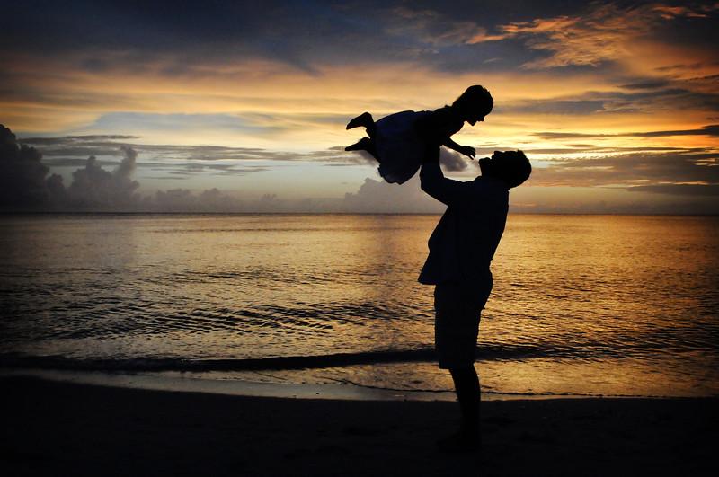Angie Birch Naples Beach Family Photo Shoot 569.JPG
