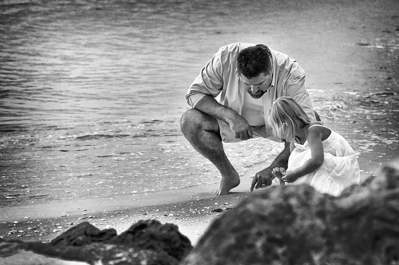 Angie Birch Naples Beach Family Photo Shoot 277.JPG