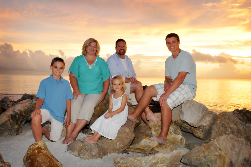 Angie Birch Naples Beach Family Photo Shoot 533.JPG