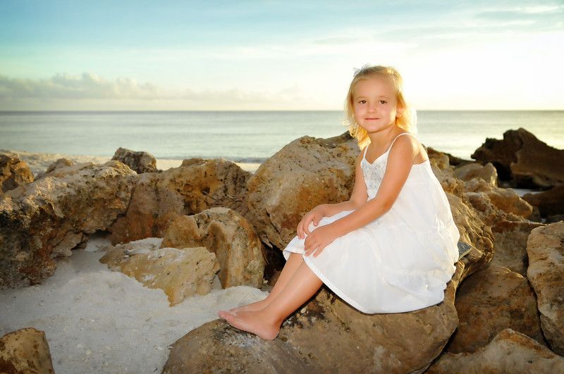 Angie Birch Naples Beach Family Photo Shoot 305.JPG