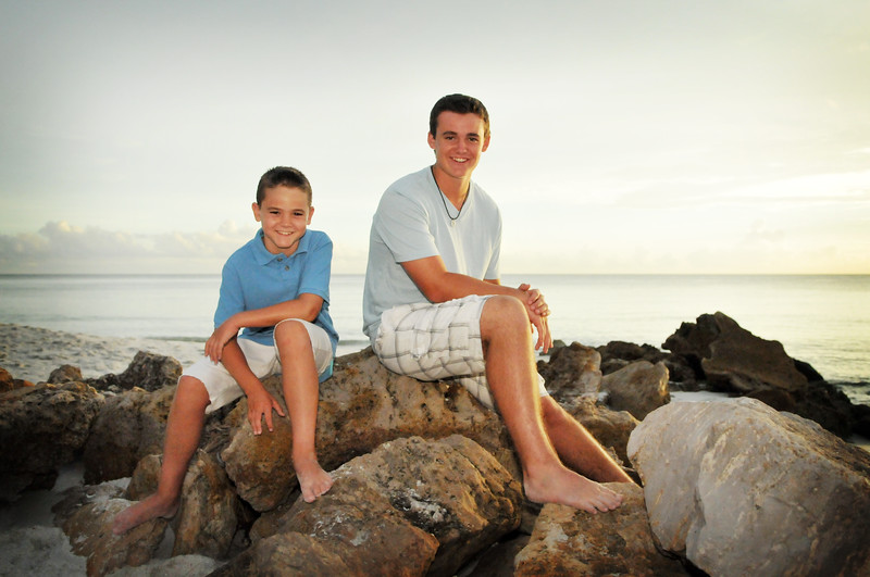 Angie Birch Naples Beach Family Photo Shoot 323.JPG