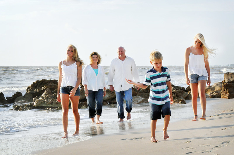 SWFL family beach photography Clarrisa LSP 077.JPG