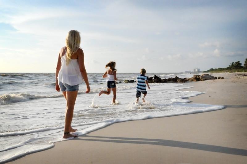 SWFL family beach photography Clarrisa LSP 015.JPG