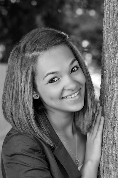 kate_seniorportraits_KDP9386_061711-1-bw.jpg
