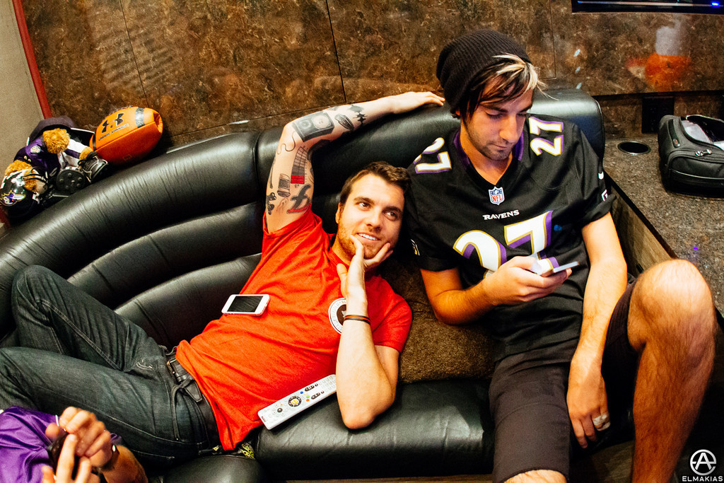 Backlounge hangs - The House Party Tour