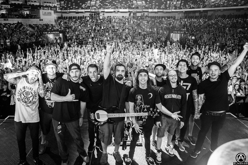 Pierce The Veil and crew, last show - The House Party Tour