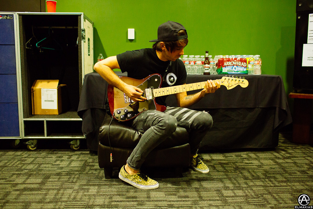 Alex Gaskarth warming up